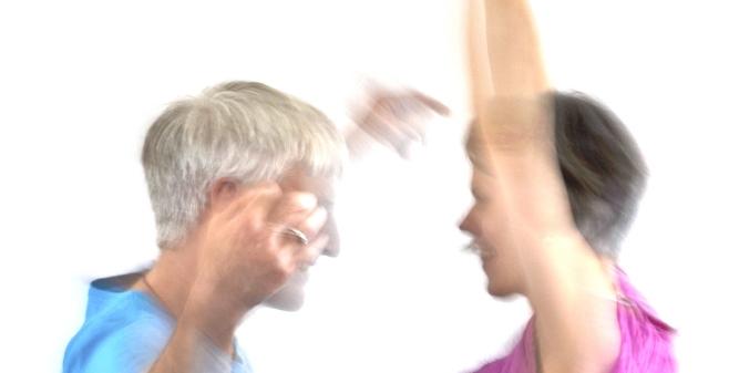 Verschiedene Tanzbilder in Gruppe und allein